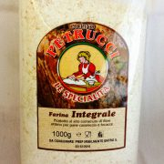 Farina integrale, 1 kg 2 euro